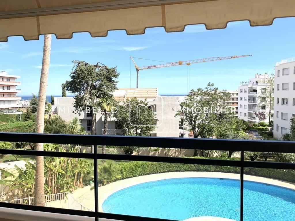 Appartement d'angle avec grande terrasse / Bas Lanterne